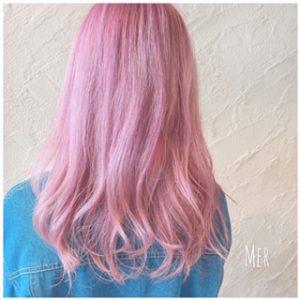 ブリーチ後のピンクカラー